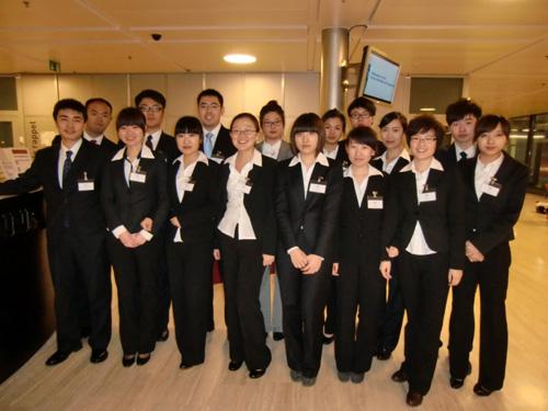 中瑞酒店管理学院首批赴洛桑游学学生顺利开始在瑞士的学习生活