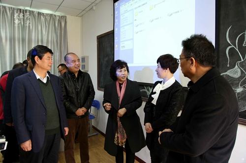 西安海棠职业学院为山区小学捐建电教室