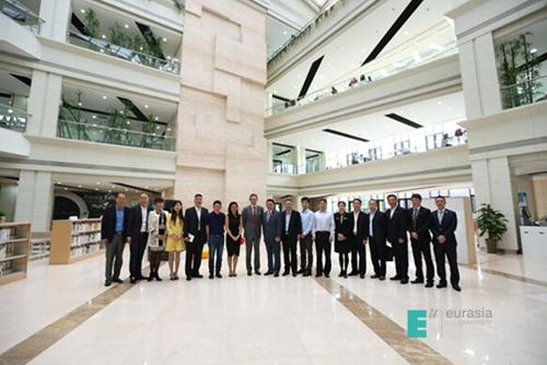 西安欧亚学院与世界银行国际金融公司成功签署 绿色校园 贷款协议