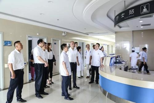 西安海棠职业学院与第四人民医院战略合作开启医疗人才培养就业新局面